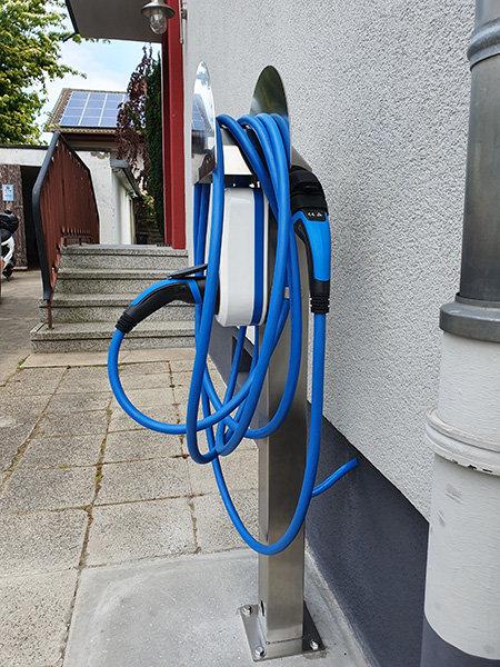 E-Auto Energie Ladesäule Zuhause