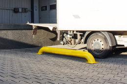 Rammschutzbalken Einfahrhilfe LKW Ø 159 / H 300 / L 3000 mm gelb Schutzbalken Rollstopp Kantenschutz Anfahrschutz