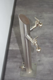 Brauchwassersäule Edelstahl SRS-720mm K240 geschliffen mit zwei Auslaufhähnen (1 Stück)