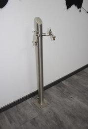 Brauchwassersäule Edelstahl SRS-1050mm K240 geschliffen mit zwei Auslaufhähnen (1 Stück)